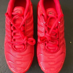 "Nike Air Max Plus GS ""Triple Red"" Size 6Y=Wmns 7.5"